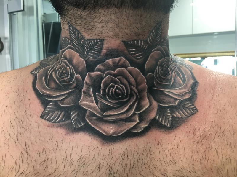 Cuello rosas