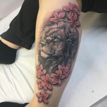 León y flores